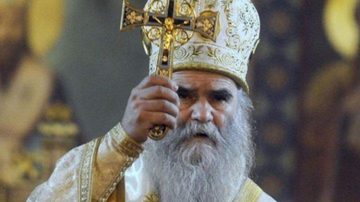 """Mitropolitul Muntenegrului, care zicea că pelerinajele sunt """"vaccinul lui Dumnezeu"""", a murit din cauza COVID-19"""