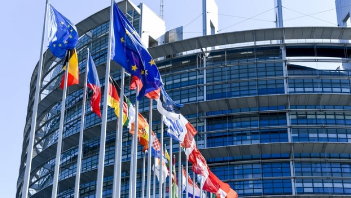 Peste 40 de cazuri de Coronavirus în Parlamentul European în ultima săptămână. Plenara de la Strasbourg va fi online