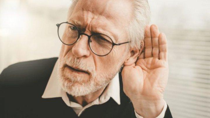 Un nou simptom semnalat: COVID-ul ar putea provoca pierderea permanentă a auzului