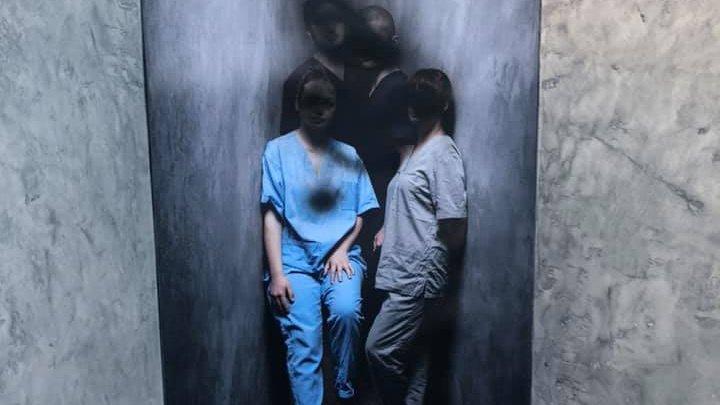 Vandalizarea expoziției foto a medicilor din prima linie, cercetată de poliție