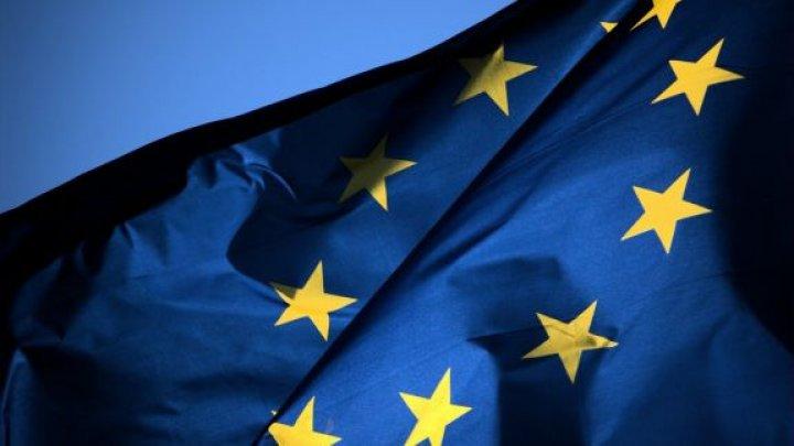 Statele UE au aprobat o recomandare pentru aplicarea unor criterii comune privind restricţiile de călătorie în contextul COVID-19