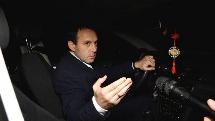 Președintele raionului Fălești, Sergiu Fîntînă, ar fi fost surprins beat la volanul mașinii de serviciu (VIDEO)