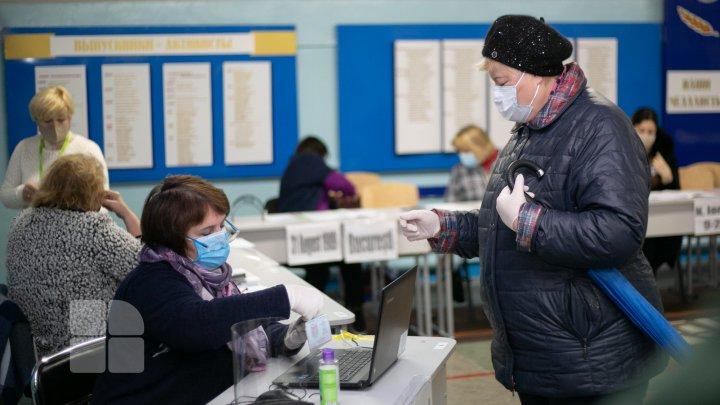 Peste un milion de moldoveni au votat pana la 14:00. Vezi care sunt cele mai active raioane din ţară