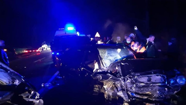 (AUDIO) Noi detalii despre accidentul de pe traseul M-1. Două copile sunt în reanimare