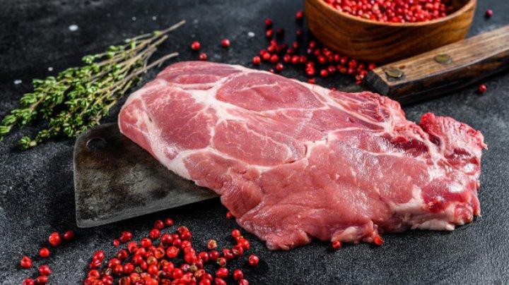 Europa se confruntă cu stocuri de carne de porc din cauza coronavirusului şi a pestei porcine