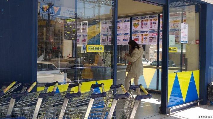 Noi măsuri restrictive în Grecia. Teste rapide pentru cei care intră în țară