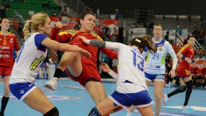 Haos la Campionatul Ucrainei de handbal feminin. Jucătoarele echipelor au sărit la bătaie după un fault mai dur