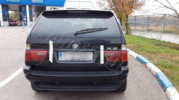 Ghinionul unui șofer: Și-a cumpărat un BMW în România, însă a rămas fără el la intrare în Republica Moldova