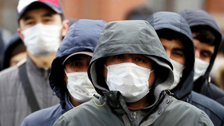 Cât timp vom mai purta mască? Ce spun specialiștii