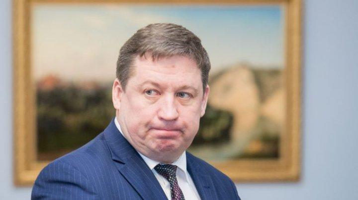 Ministrul lituanian al apărării şi un înalt oficial al Pentagonului, pozitivi la COVID-19