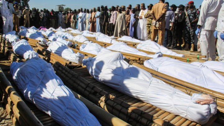 Sute de civili ucişi cu sânge rece într-un atentat în Nigeria. 43 de victime au gâtul tăiat