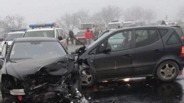 Accident teribil pe traseul Ialoveni Hîncești. O familie cu doi copii, transportată la spital (VIDEO)