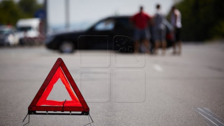 Accident la intrarea în localitatea Buţeni, Hânceşti. Ambii şoferi au fost internaţi cu traumatisme