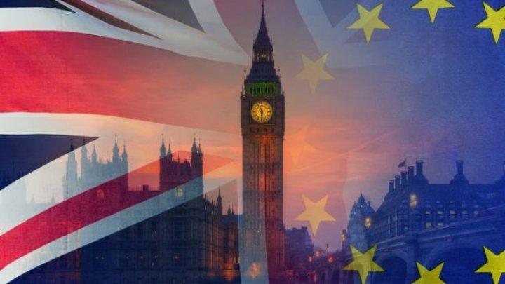 Acordul post Brexit stabilește reguli noi pentru cei care intenționează să emigreze în Regatul Unit