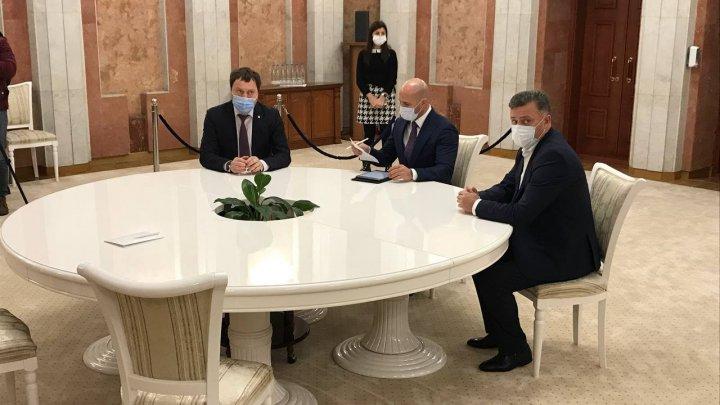 Deputaţii PRO MOLDOVA au venit la consultările iniţiate de Maia Sandu. Despre ce au discutat