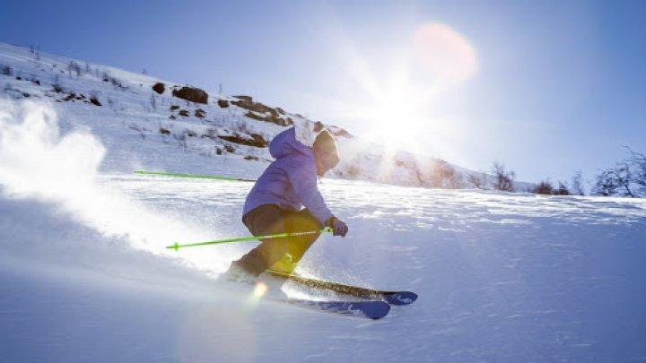 Franța va organiza controale la frontiere pentru a-i împiedica pe oameni să meargă la schi în Elveția