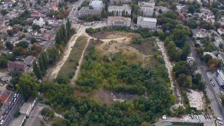 Decizia prin care terenul fostului Stadion Republican a fost transmis Ambasadei SUA, ABROGATĂ. Reacția premierului