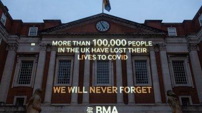 Marea Britanie a trecut de 100.000 de decese din cauza COVID-19. Au murit mai mulți oameni decât civili în al Doilea Război Mondial