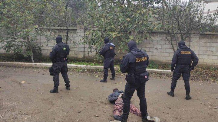 Bărbatul din Mereni, care a luat ostatici 3 copii, condamnat la 13 ani de închisoare (VIDEO)