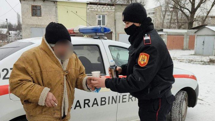 Trei persoane au fost salvate de la hipotermie de către carabinieri