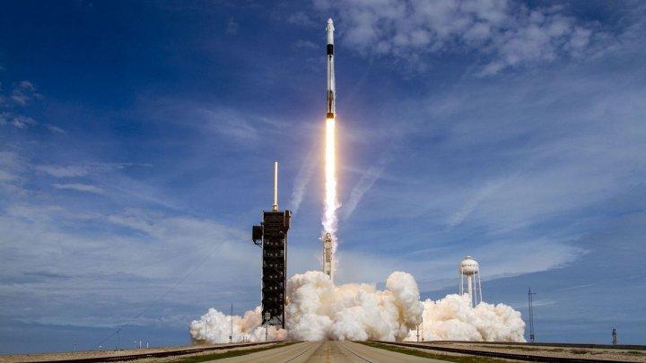 NASA a întrerupt testul rachetei SLS care va trebui să ducă oamenii pe Lună
