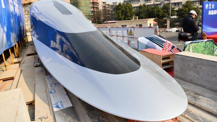 China lansează un prototip de tren care atinge viteze de 620 de kilometri pe oră. Cum arată (VIDEO)