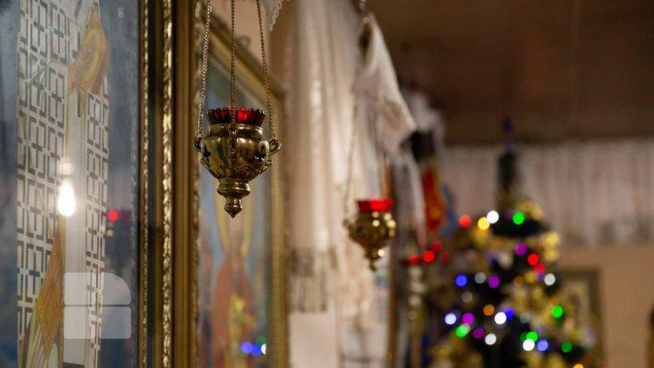Creştinii ortodocşi de stil vechi îl cinstesc astăzi pe Sfântul Ioan Botezătorul, cel mai important și venerat proroc