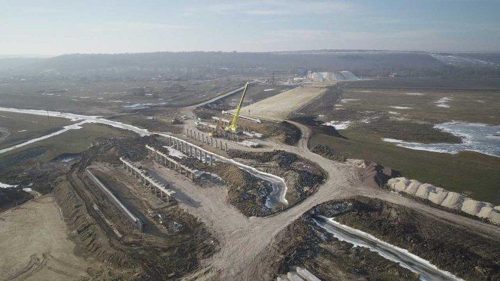 Lucrările de construcție a podurilor pe drumul național M3 Porumbrei-Cimișlia, în proces de execuție