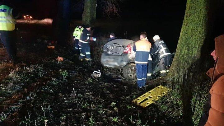 TRAGEDII pe drumurile din ţară: 20 de accidente, soldate cu cinci morţi şi 21 de răniţi, în doar 4 zile
