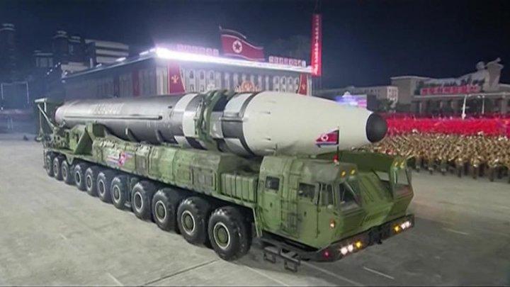 Phenianul dezvoltă noi arme atomice tactice și un submarin nuclear. Kim Jong-un explică de ce este nevoie de ele
