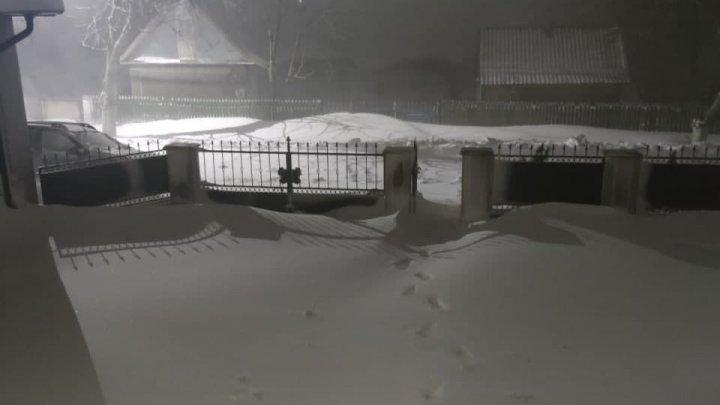 Ştefan Vodă, sub nămeţi. În unele sate zăpada a ajuns la un metru (FOTO)