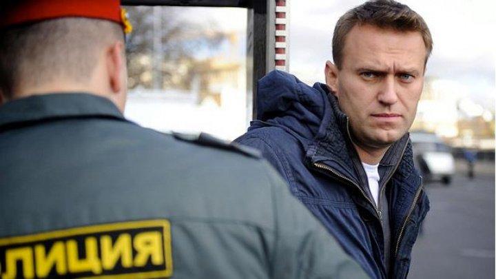 Navalnîi, în stare din ce în ce mai gravă. Avocat: Nu-şi mai simte mâinile