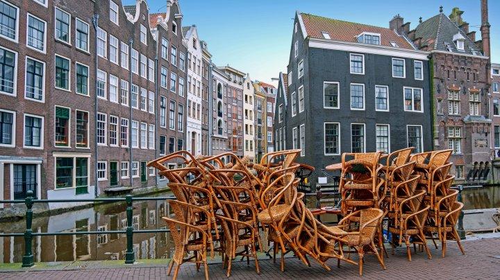 Olanda interzice circulația pe timp de noapte pentru prima oară după Al Doilea Război Mondial