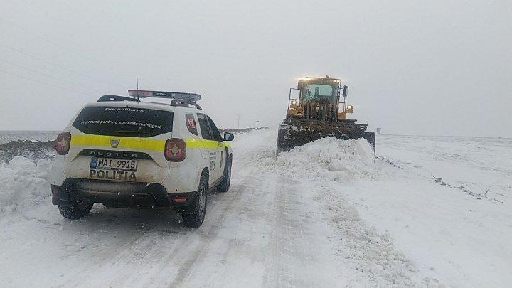 NINGE în Moldova! Circulaţia vehiculelor de mare tonaj, sistată pe drumul dintre Anenii Noi și Ștefan Vodă