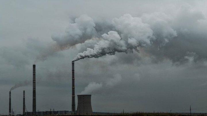 STUDIU: Dacă poluarea aerului s-ar reduce, ar putea fi evitate 50.000 de decese premature pe an în Europa