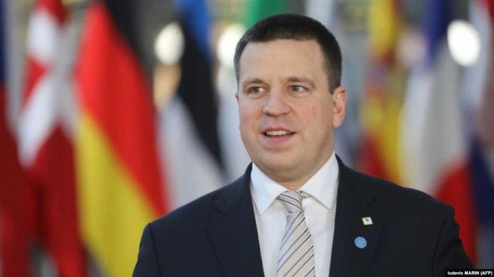 Premierul estonian a demisionat în urma acuzaţiilor de corupţie aduse partidului său