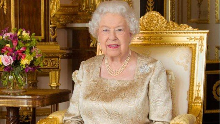 Un fost angajat al familiei regale britanice, condamnat la închisoare după ce a furat obiecte din reședința reginei