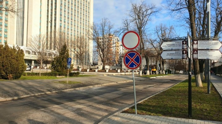 Circulația pe strada Sfatul Țării va fi redeschisă pentru toți participanții la trafic