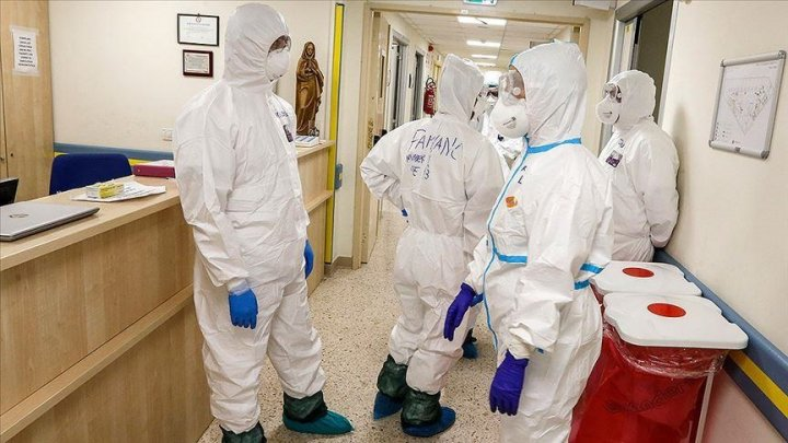După ce a înregistrat 16.000 de noi infectări într-o zi, Italia anunță noi zone roșii și aplică iar restricții dure