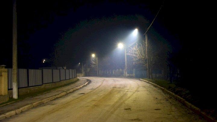 Încă o localitate cu străzi luminate! Un sistem modern cu circa 400 de corpuri de iluminat de tip LED, inaugurat în comuna Berezlogi