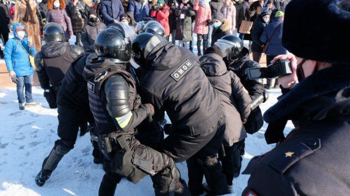 Rusia: Mii de susținători ai activistului Alexei Navalnîi au ieșit la proteste pentru a cere eliberarea acestuia