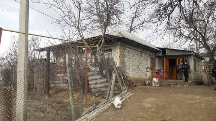 TERIFIANT. Cadavrele a doi bărbaţi, depistate într-o casă din comuna Lăpuşna