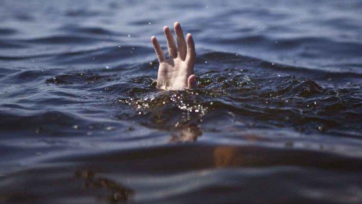 TRAGIC. O copilă din localitatea Speia, raionul Anenii Noi, s-a înecat în apele râului Nistru, încercând să facă poze spectaculoase
