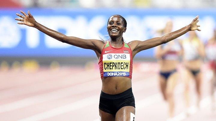 Kenyanca Beatrice Chepkoech a stabilit un nou record mondial pe distanța de 5 kilometri