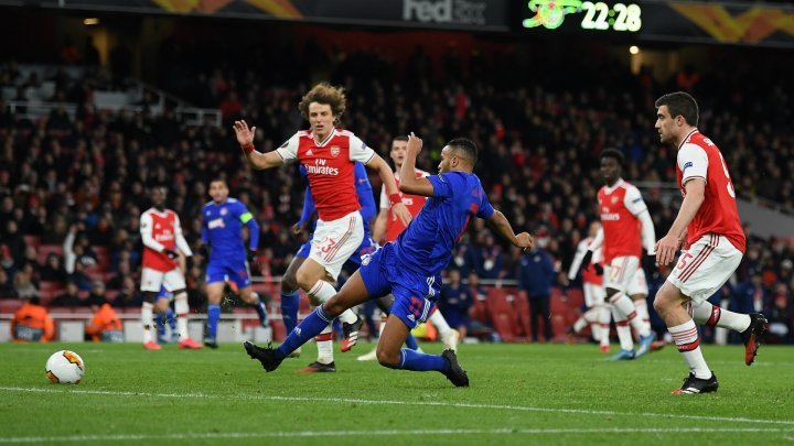 Olympiakos Pireu se va duela cu Arsenal Londra în optimile de finală ale Ligii Europei