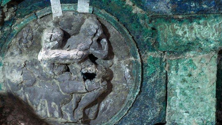 Descoperire extraordinară la Pompeii: O trăsură ceremonială unică a fost dezgropată de arheologi