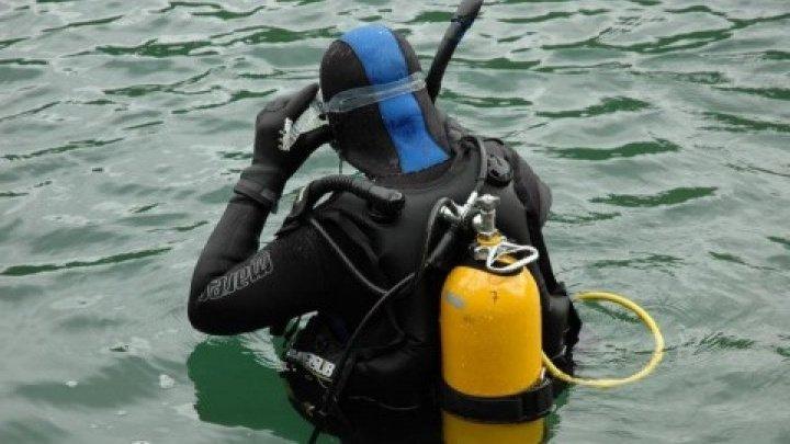 DURERE NEMĂRGINITĂ pentru familia fetiţei de 12 ani, înghiţită de apele Nistrului. Scafandrii, în căutarea cadavrului copilei