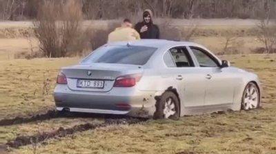 Vloggerul moldovean care și-a dat foc la BMW va avea de plătit mii de euro