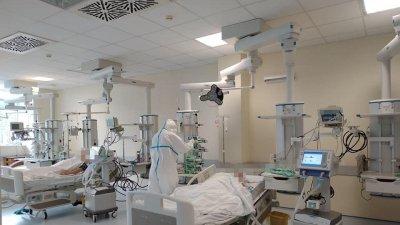 Secţiile de terapie intensivă din spitalele municipale NU mai dispun de paturi libere