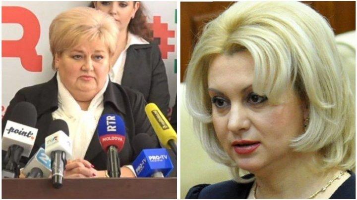 În concediu medical din cauza COVID-19, Apostolova și Ivanov au reușit să semneze documentul cu lista majorității parlamentare
